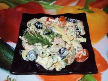 Салат итальянский с ветчиной,сыром