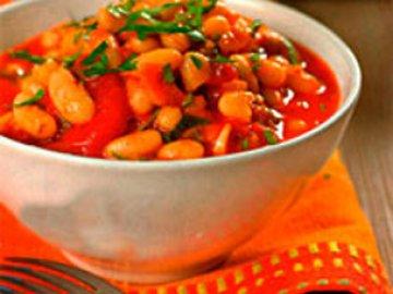Как потушить фасоль в томатном соусе