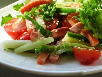 салат с солёной рыбой