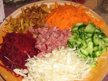 Королевский салат со свеклой