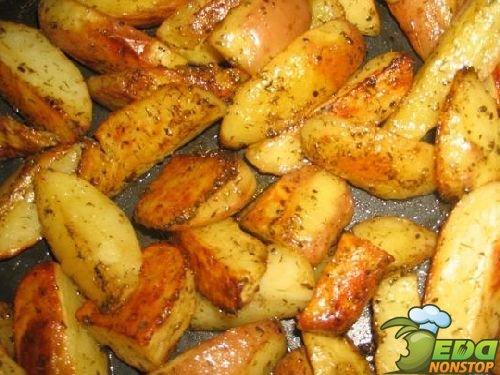 картошка по деревенски в духовке дома