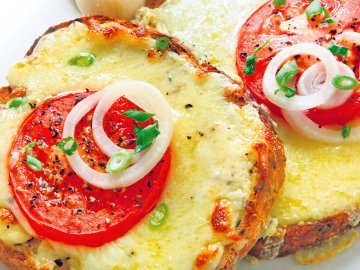 горячий бутерброд в микроволновке