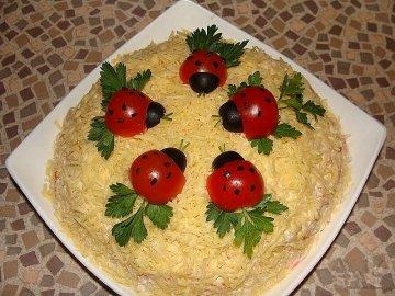 Как красиво оформить салаты
