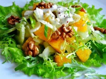 салат с козьим сыром