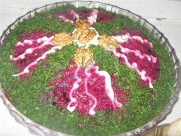 салат из свеклы Монгольская горка