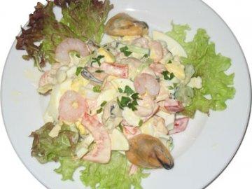 салат морской с креветками